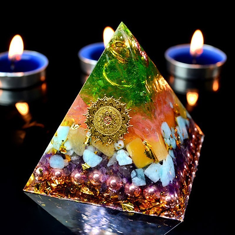 Orgonite Ariel Aura Crystal Pyramid Anahata Chakra Transparent Pyramid Jewelry Resin Decorative Craft Jewelry