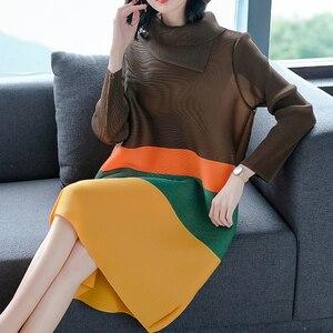 Image 1 - LANRMEM 2020 אביב קיץ אופנה חדשה קפלים בגדי נשים ארוך שרוול גולף אלסטי ניגודיות צבע שמלות YH295