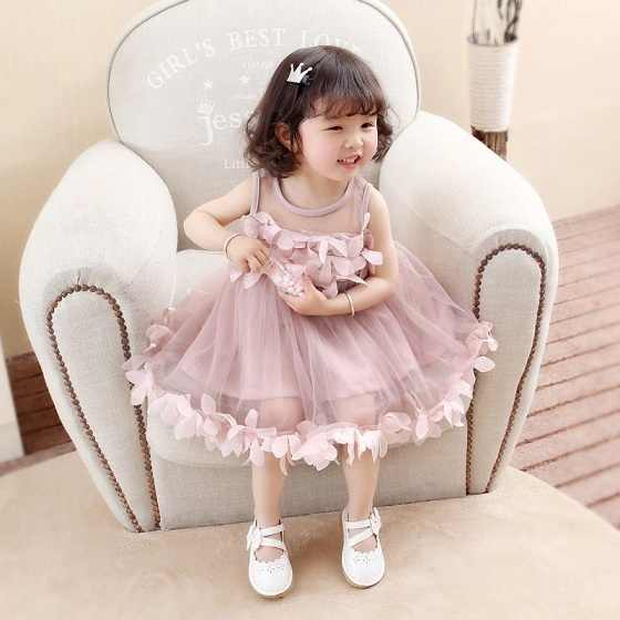 b95790cf7b757 Baby Dress 2018 Summer Hot Selling Girl Sling With Sleeveless Bow Tie Sweet  Baby New Children Print Dress Princess Dresses