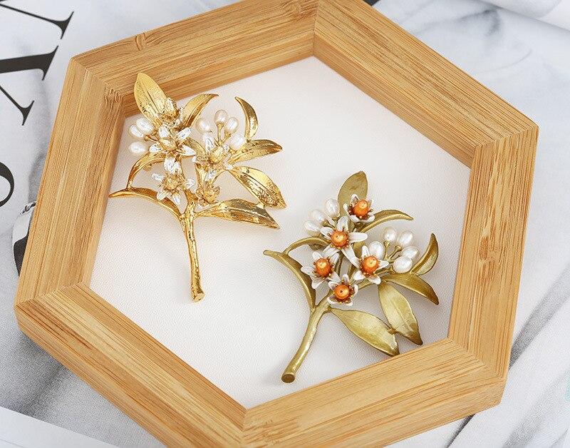 Livraison gratuite broche en cuivre plaqué fleur orange broche en perles naturelles-in Broches from Bijoux et Accessoires    1