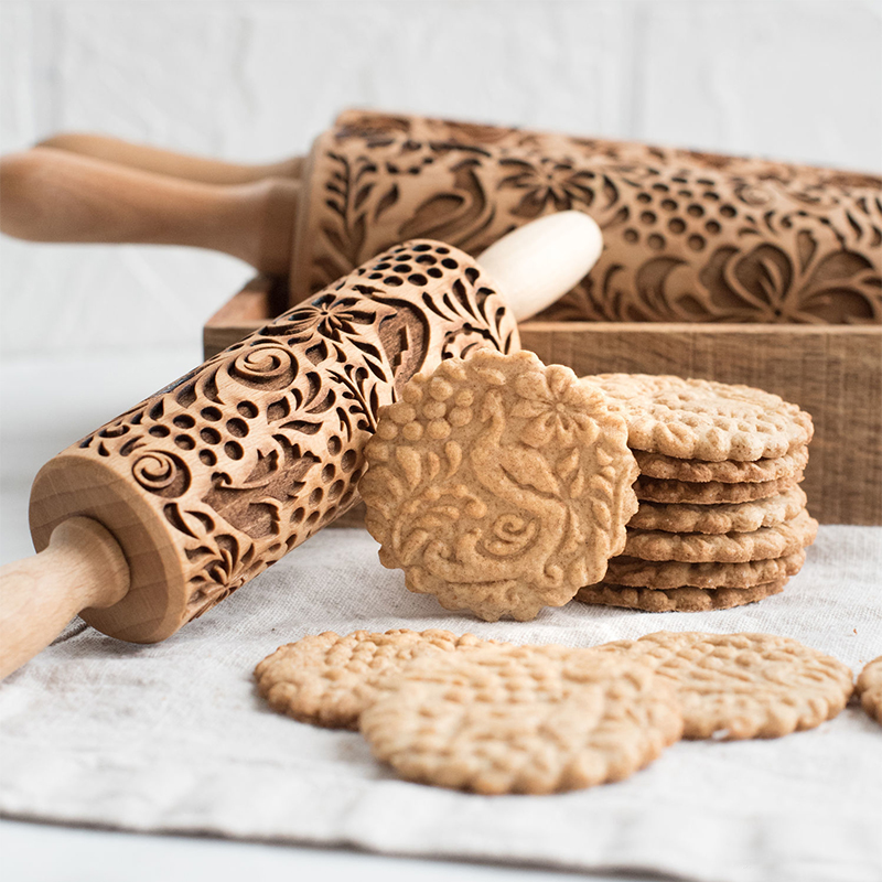 Xmas  Christmas Rolling Pin Engraved Carved Wood Embossed Rolling Pin Kitchen Tool  Rolo De Massa Baking Tools