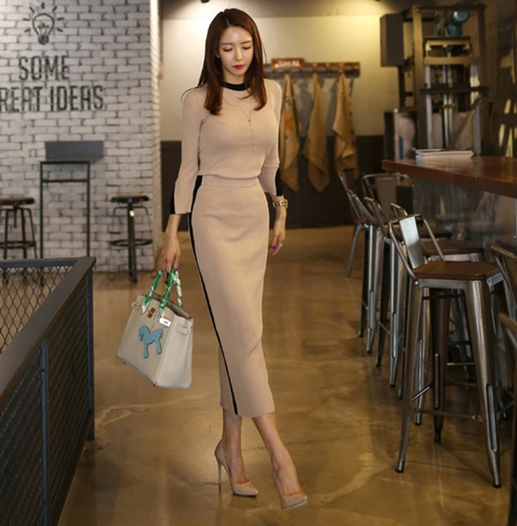 2020 New Spring Autumn Two Piece Set Women Suit Hit Color Knit Sweaters Blouse Tops And High Waist Long Skirts Crop High Quality