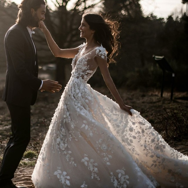 Sexy Bohemian Wedding Dress 2021 Short Sleeves Deep V Neck 3d Floral Appliques Bridal Gowns Backless Vestido De Noiva Lorie 4