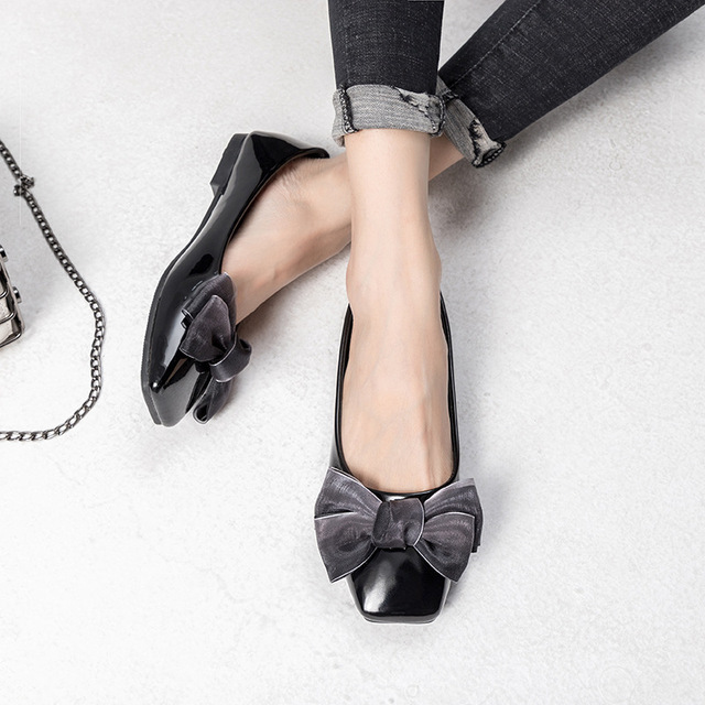 Fashion Patent Leather Flats Spring Summer Women Flat Shoes Leisure Ladies Lightweight Breathable Loafers Bow-knot Espadrilles