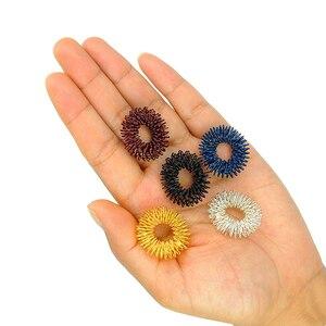 Image 4 - 5pcs אצבע לעיסוי עיסוי טבעת בריאות סט בריאות לשימוש כלים אקופרסורה דמות לעיסוי להירגע אצבע יד טיפול
