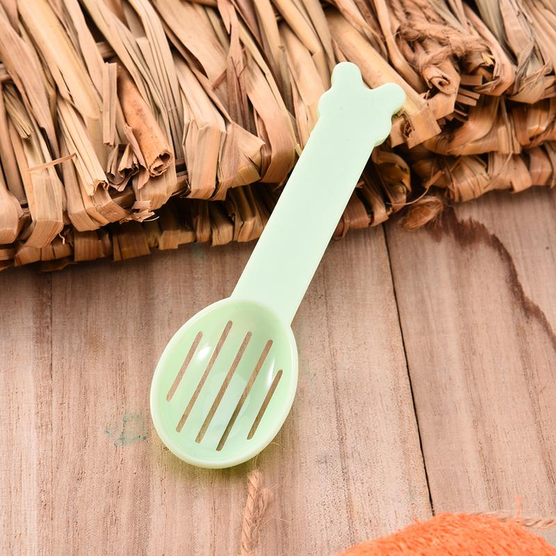 Hamster Dedicated Clean Sand Spoon For Small Pet Squirrel Guinea Pig Rabbit Hovel Sand Cleaning Spoon Random Color Delivery