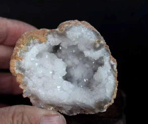 10 Pieces Natural White Rainbow Druzy Agate Geode Druzy Cabochon Oval Shape 20x23mm-22x29mm 381 Ct. T.D. 06