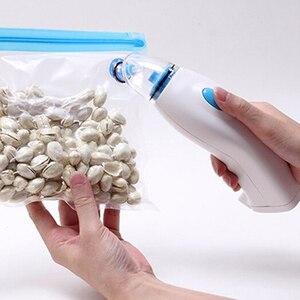 Image 5 - אוטם ואקום מכונה כף יד חשמלי משאבת ואקום בית מטבח האיחוד האירופי Plug שמירה על מזון טרי למשך עד חמש פעמים longger