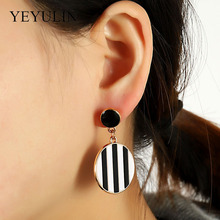 New Trendy Large Acrylic Black & White Stripes Drop Earrings For Women Geometric Big Acetic Acid Resin Dangle Earrings Girl Gift