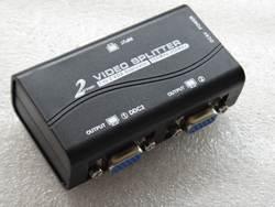 Черный 1-2 порта VGA video splitter duplicator 1-in-2-out 250 мГц устройство cascadedable Boots видео сигналы 65 м 1920*1440