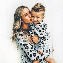 Одинаковые комплекты для семьи; Одежда «Мама и я»; модные толстовки с леопардовым принтом для женщин и детей; толстовка для мальчиков и девочек; топ с капюшоном; одежда для семьи