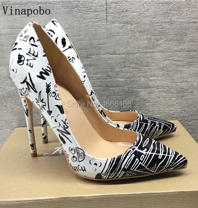 Cuir verni talons aiguilles femmes escarpins Sexy Graffiti imprimé bout pointu chaussures femme peu profonde sans lacet noir blanc Zapatos