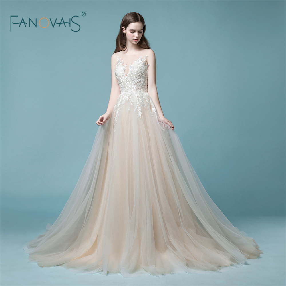 Champagne Lace Wedding Gown: Elegant Champagne Wedding Dress 2018 Long Sleeveless Lace