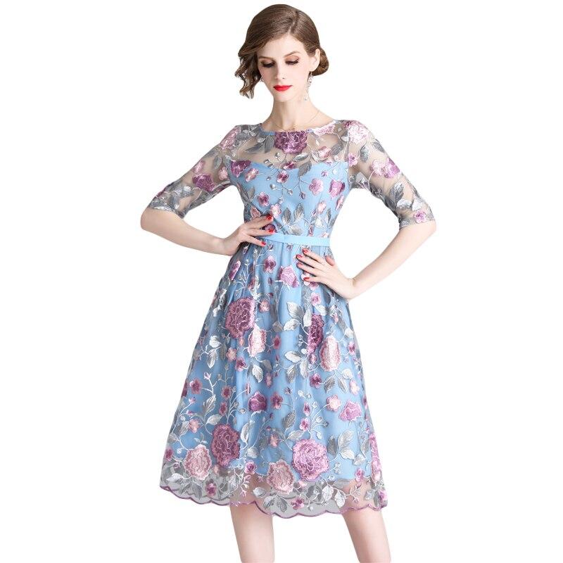 ecc158650990 2019 Dolce Estate Ricamo Vestiti Veste Primavera Donne Femme Floreale  Colore Blu Vestito Signore Delle Merletto ...