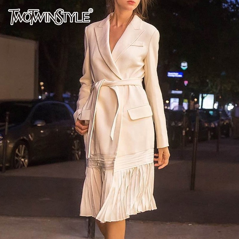 TWOTWINSTYLE 2019 Spring Autumn   Trench   Coats Female Long Sleeve Bandage Pleated Hem Elegant Windbreaker For Women Fashion Tide
