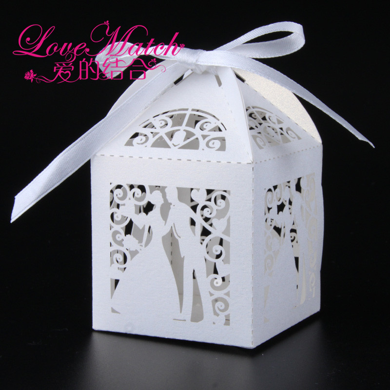 50Pcs Bride And Groom Laser Cut Candy Box Wedding Favors Box Wedding Gifts For Guests Party Decorations Party Supplies(5 Colors)