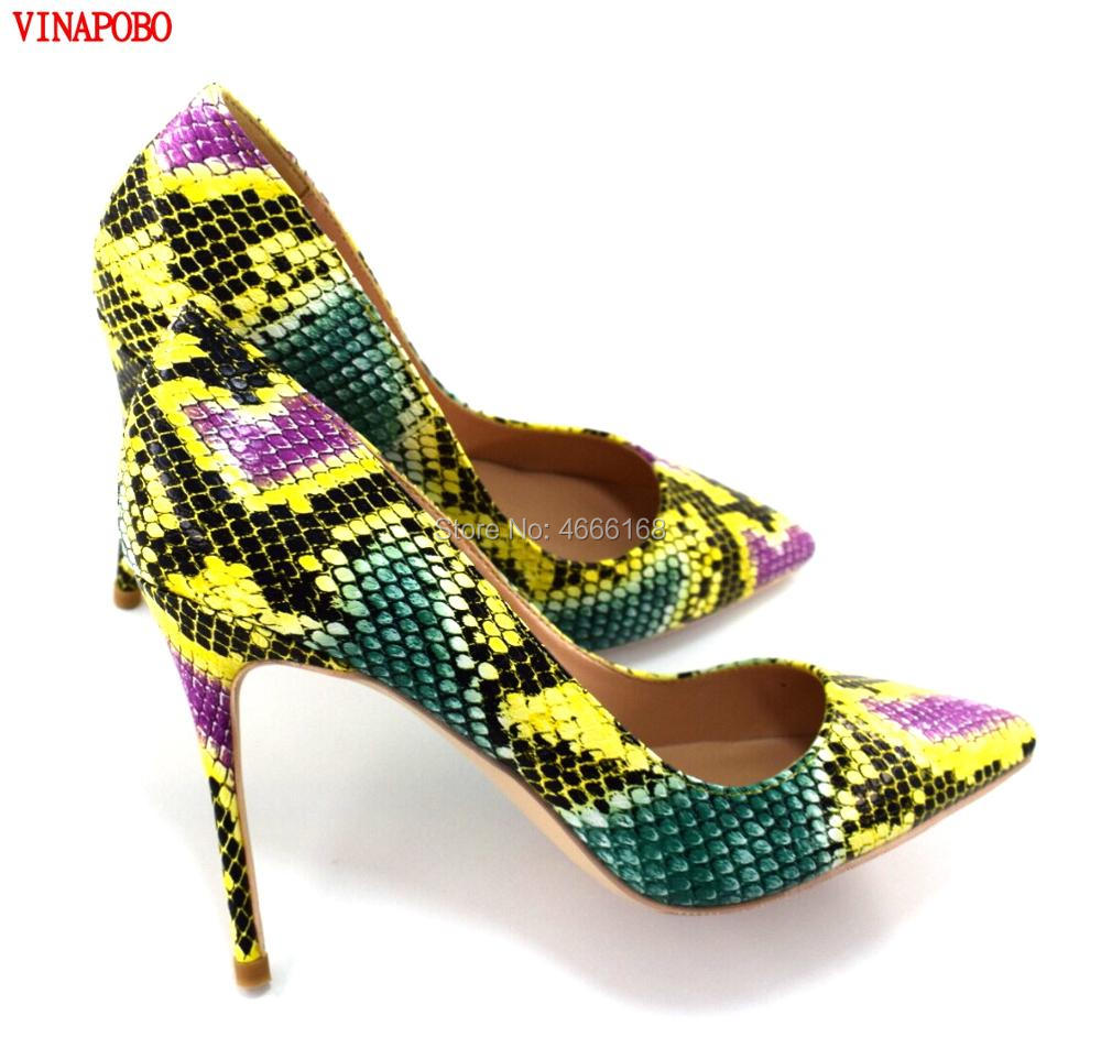 8d30a56d3e7 Mulheres Sapatos de Salto Alto Mulher Dedo Apontado Bombas Sexy Cobra  Impresso Sapatos de Festa Primavera