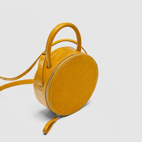 Fashion handbag 2018 new women's round mini crocodile pattern small for women round PU shoulder shoulder Messenger bag yellow