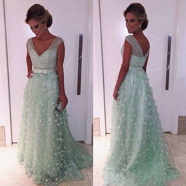 Mint Green V Neck Sparkly Prom Dresses 2018 Beaded Applique Backless Evening  Gowns Arabic Formal Party Dresses Robe De Soiree 7b2ea1d59020