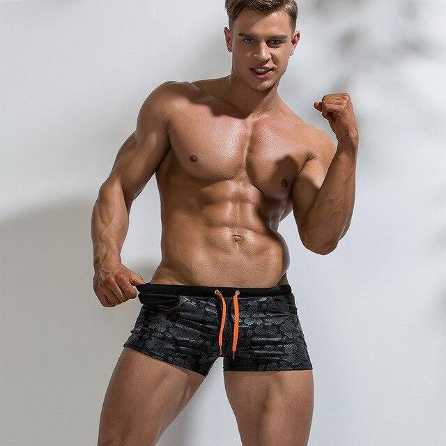 2019 Costumi Da Bagno uomo Tronchi di Nuoto Sexy Gay Costume Da Bagno Pantaloncini Da Surf Da Surf Bicchierini Della Spiaggia Costume Da Bagno Degli Uomini Pantaloncini Da Bagno Maillot De Bain