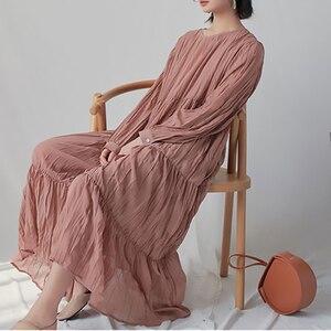 Image 3 - [EAM] 2020 חדש אביב סתיו עגול צוואר ארוך שרוול לבן Loose ארוך קפלים שיפון עוגת ארוך שמלת נשים אופנה גאות JR170