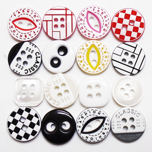 цены Free Shipping 100 pcs Mixed 2 Color White Black Kids Eyes Resin Buttons 2 Holes 13mm Sewing Scrapbooking Crafts Handmade Button
