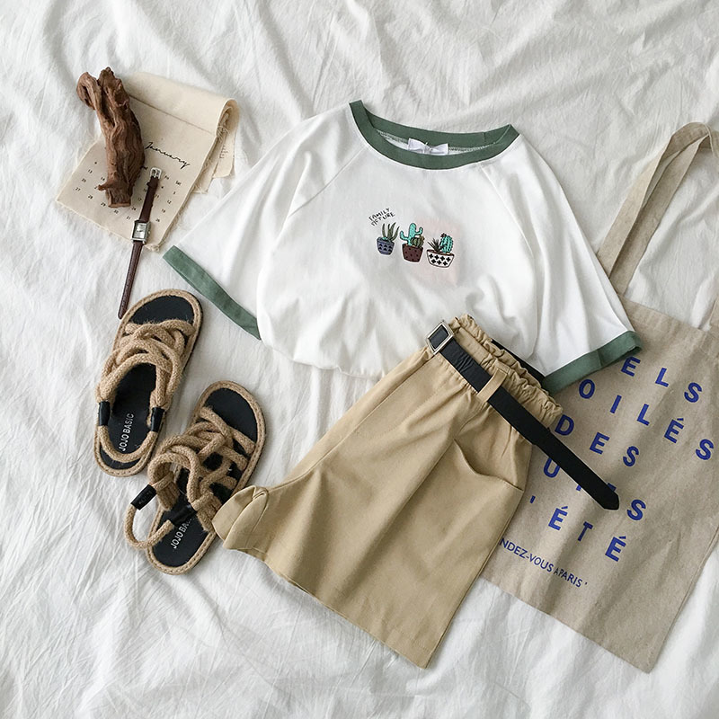 Summer Women Two Piece Outfits White Cactus Pattern T-shirt + Khaki Shorts Lovely Safari Summer Set