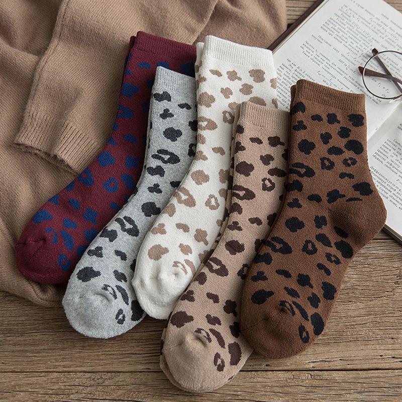 Women Sock Leopard Speckle Print Happy Harajuku Korean Streetwear Hip Hop Funny Winter Keep Warm Cotton Hair Circle Female Socks