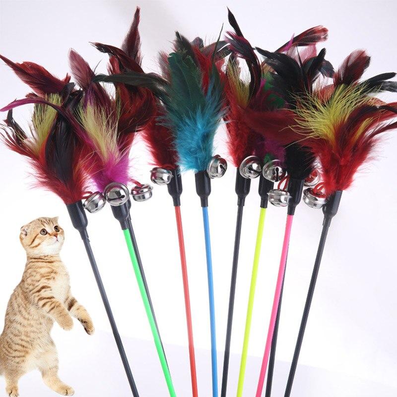 1 шт. Лидер продаж Cat игрушки сделать Cat Придерживайтесь перо с небольшой колокол естественно, как птицы разные цвета черного цвета Полюс