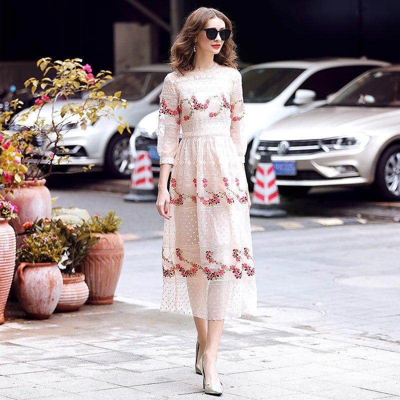 Haute qualité printemps femmes robe 2019 mode manches courtes Floral broderie voir si maille longue robe bohème Chic robes de plage
