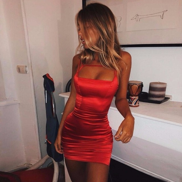 3d9a63cee2 Fuedage lato Sexy Bodycon sukienka kobiety bez rękawów Party sukienki  Spaghetti pasek elegancka Mini metalowy łańcuch sukienka jesienna Vestidos