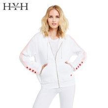 все цены на HYH HAOYIHUI Simple College Style Sweet and Lovely Outwear Contrast Stripe Stitching Heart Shape Embroidered Coat онлайн