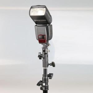 """Image 5 - D/E/C şekli evrensel Metal flaş braketi standı sıcak ayakkabı Speedlite şemsiye tutucu ile 1/4 """"3/8"""" Vidalı bağlantı döner adaptör"""
