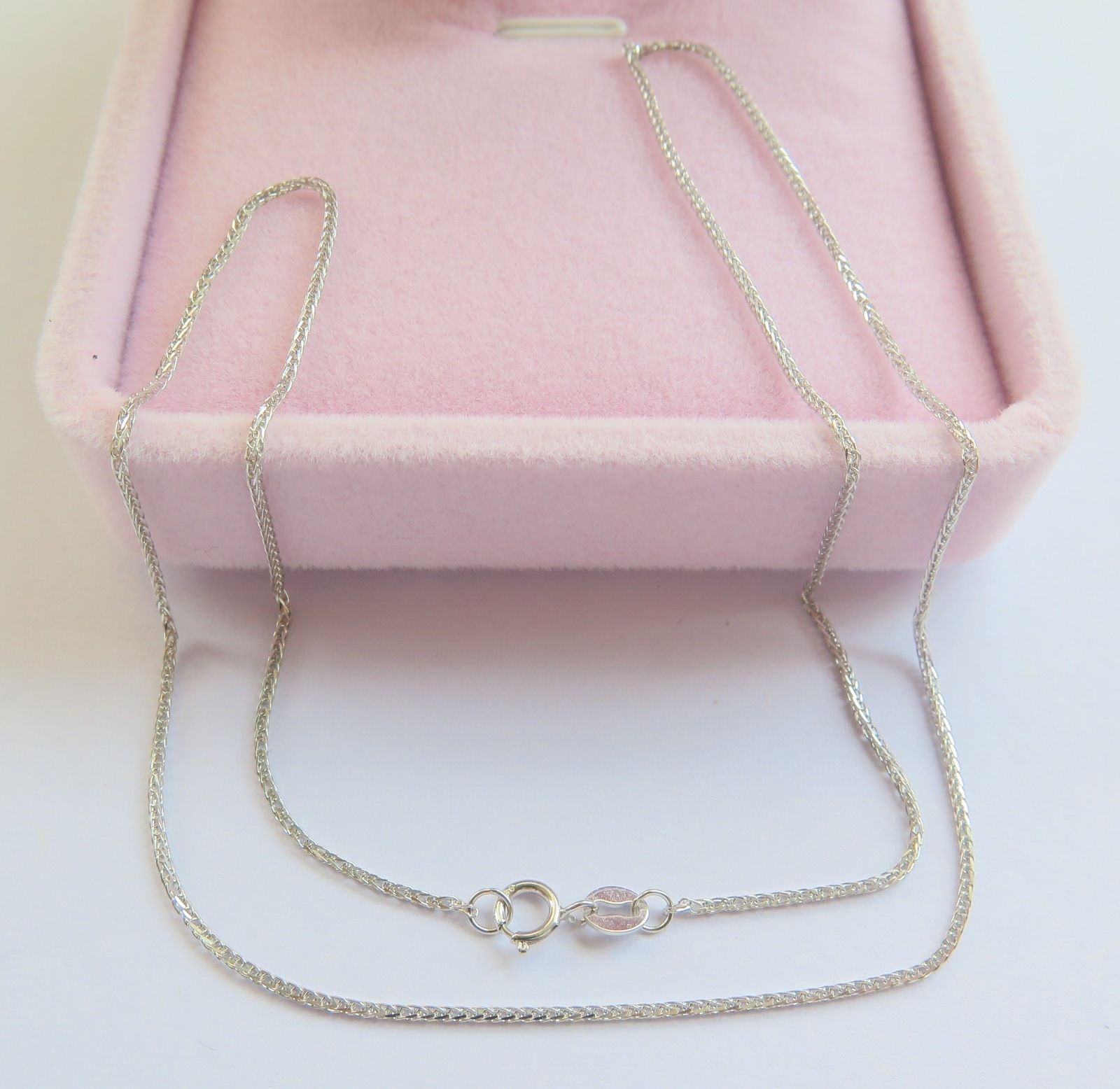 Authentic 18K White Gold Necklace Classic Wheat Link Chain Necklace 40cm LengthAuthentic 18K White Gold Necklace Classic Wheat Link Chain Necklace 40cm Length