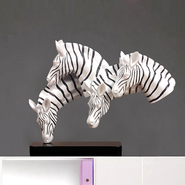 Creative Modern Horse Statue Ornaments Home Furnishing Jewelry Crafts Decoration Study The Living Room TV Cabinet