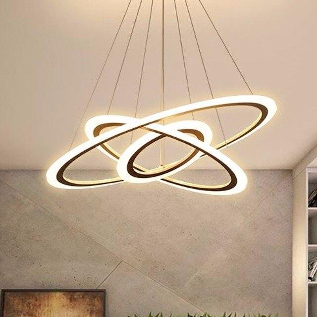 現代のledシャンデリアダイニングリビングルーム指輪高級光沢時間白黒サスペンションランプとリモコン