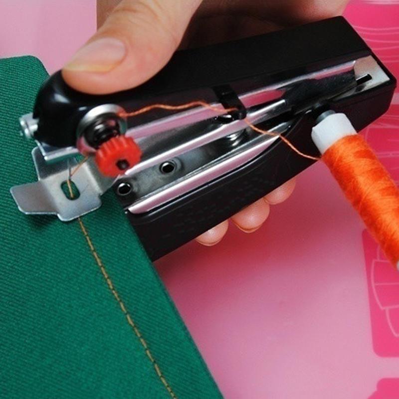Novo Mini máquina de Costura Máquinas de Costura Cordless Hand-Held Roupa Máquinas De Costura Manual Portátil Útil Handwork Ferramentas Acessórios