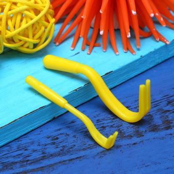 2pcs-portable-fleas-lice-twister-hook-tool-remover-plastic-horse-pet-cat-dog-comb-tick-remover-tool-comb-supplies