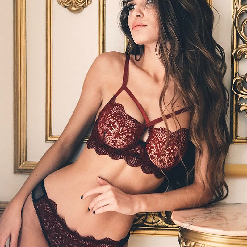 CWXANS Sexy Lace Bra Set Women Red Floral Push Up Transparent Bralette Plus Size Lingerie 2018 Seamless Underwear Briefs Sets