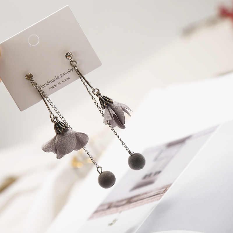 Korean geometric pearl long earrings 2019 fashion new gray wood wool ball rhinestone flower bow Stud earring earrings For Woman