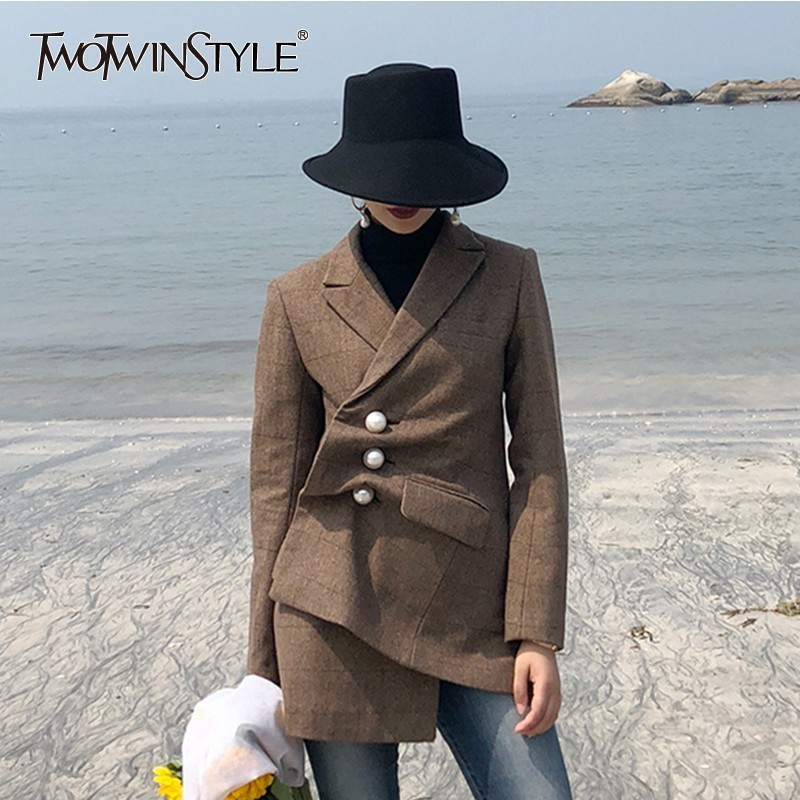 TWOTWINSTYLE Pearls Plaid Wool Blazer Coat Female Long Sleeve Side Split Irregular Women s Suit Vintage