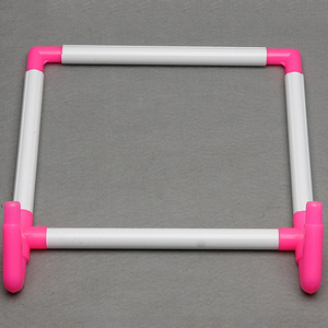 Image 2 - רקמת מסגרת מעשי אוניברסלי קליפ פלסטיק צלב תפר חישוק Stand מחזיק תמיכה מתלה Diy קרפט כף יד כלי