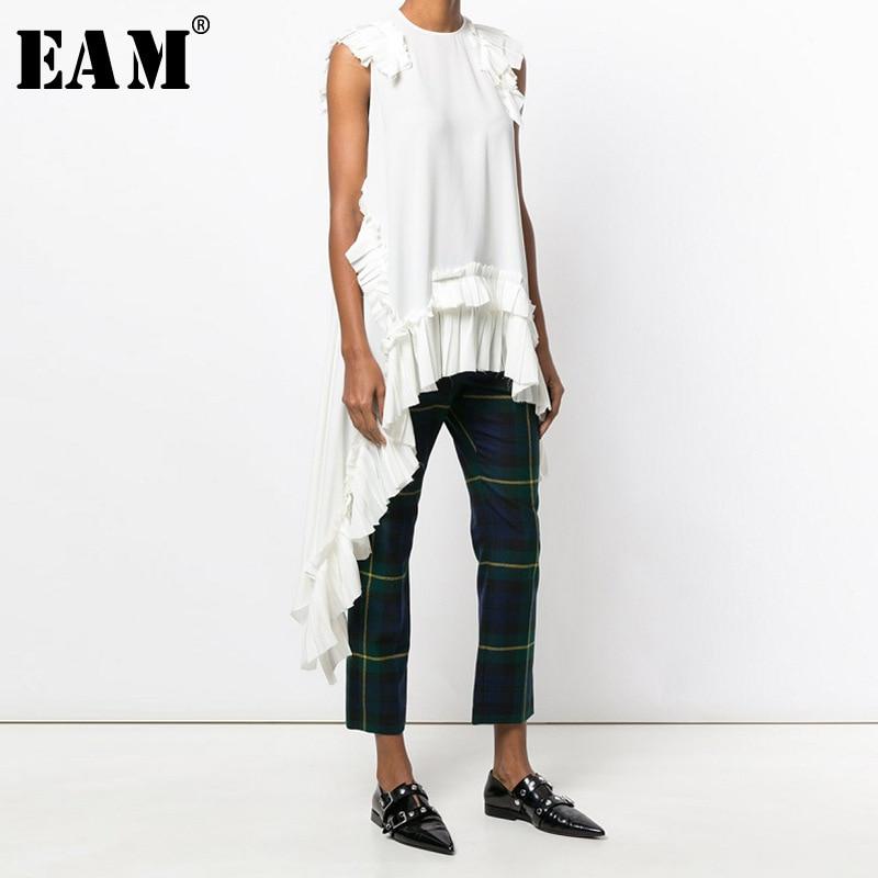 [EAM] 2019 New Spring Summer Round Neck Sleeveless Black Irregular Hem Pleated Loose Shirt Women Blouse Fashion Tide LLL324