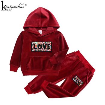 2020 zestawy ubrań dla chłopców małe dziewczynki ubrania jesienne zestawy ubrań dla dzieci Sport garnitur bawełna list chłopcy stroje garnitury dla dzieci tanie i dobre opinie KEAIYOUHUO Moda Z kapturem Swetry Sport Suit Velvet COTTON Unisex Pełna REGULAR Pasuje prawda na wymiar weź swój normalny rozmiar