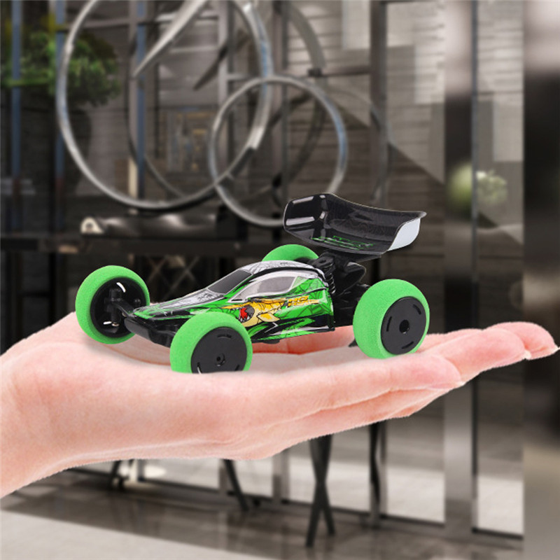 2019 New 1/32 2.4G 6CH RC Car Mini Trick Car With LED Light Radio Control Small Fashion RC Car Toys Kids Gifts With Transmitter