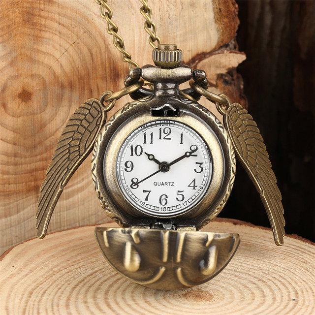 Bronze Necklace Pocket Watch Lovely Snitch Ball Pendant with Wings Necklace Chai