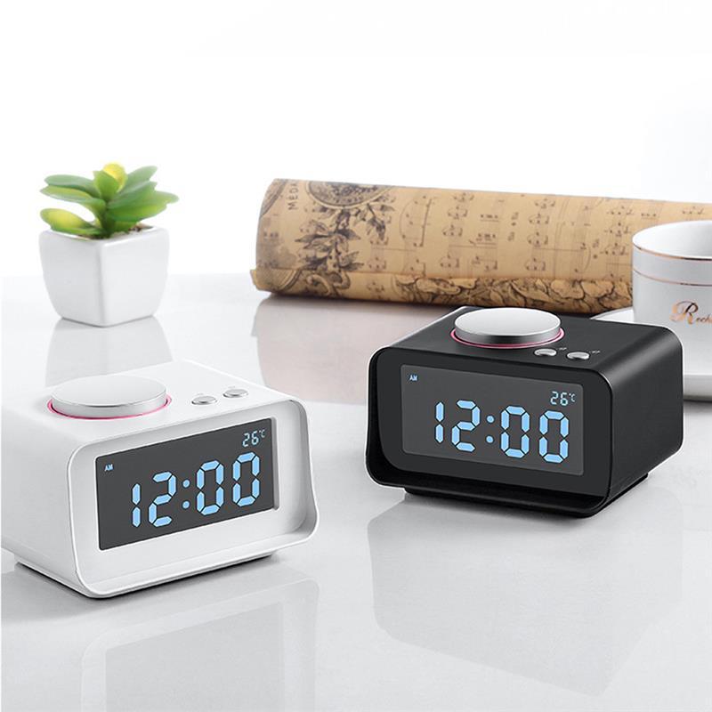 2 USB Charging Ports1Pcs LED Digital Alarm Clock FM Radio Loud Alarm Clock For Heavy Sleepers