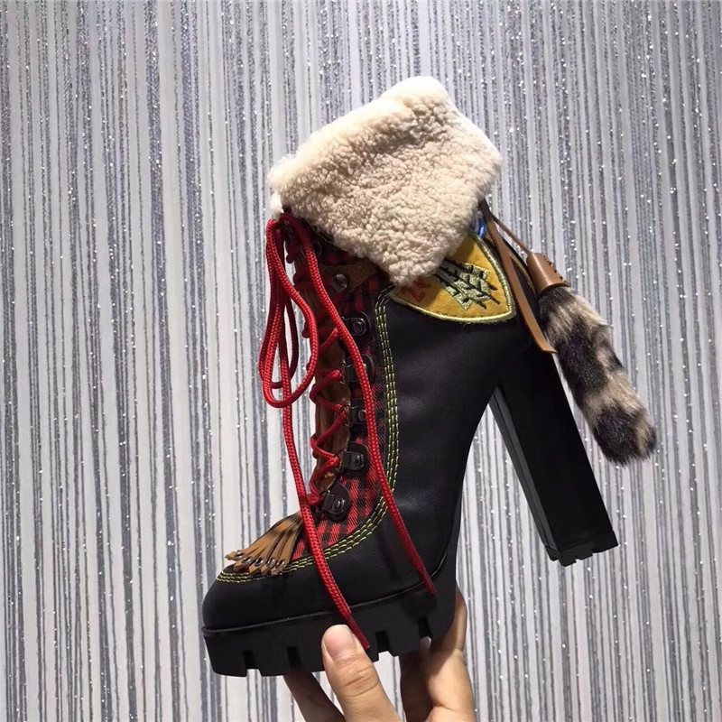 Winter Women Patchwork Short Boots Sexy Platform High Chunky Heels Lace Up Botas Fringed High Quality Snow Boots Real PhotosWinter Women Patchwork Short Boots Sexy Platform High Chunky Heels Lace Up Botas Fringed High Quality Snow Boots Real Photos
