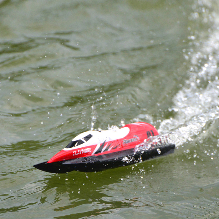 Volantexrc 795 2 RC Speedboat Waterproof 28km/H High Speed Racing Boat Automatic Flip Over White Red Models Summer Water Toy