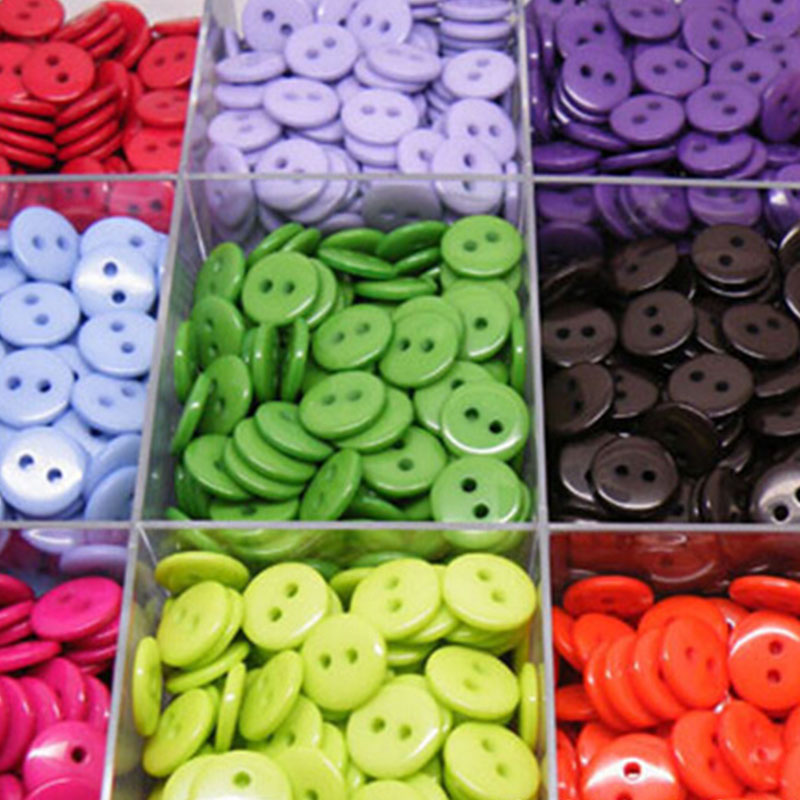 Boutons de couture pour enfants outils de vêtements en plastique 6/9/11/13/15/20MM 100 pièces 2 trous forme ronde couleurs aléatoires accessoires de vêtement